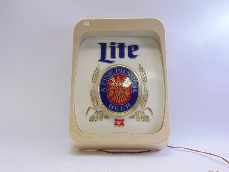 Vintage Everbrite Miller Light Fine Pilsner Beer Lighted Advertising Sign