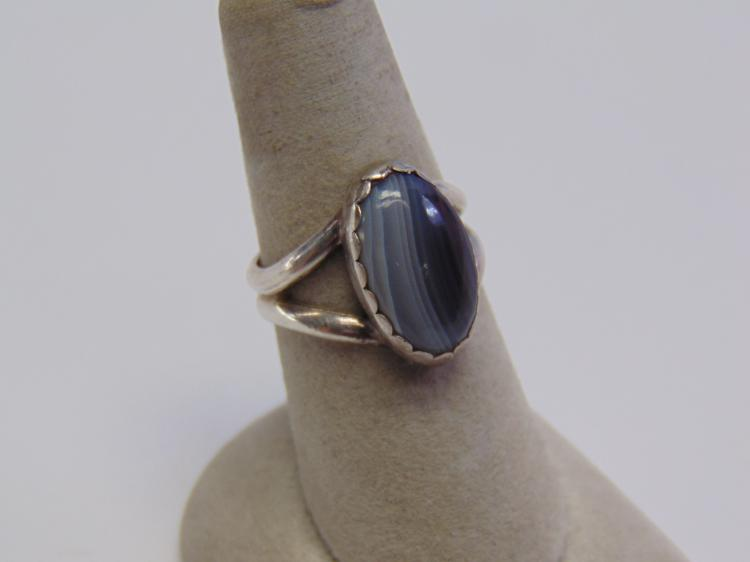 Lot 98: Sterling Silver & Agate Solitaire Ring Sz 8