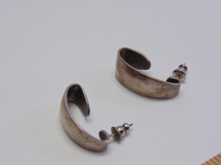 Lot 150: Vintage Sterling Silver Taxco Mexican Made Post Earrings