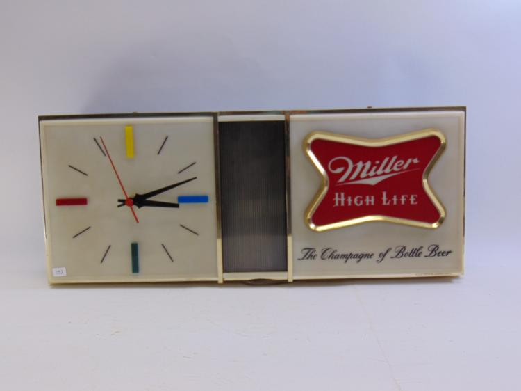 Vintage Lakeside Plastics Miller High Life Lighted Clock Advertising Sign