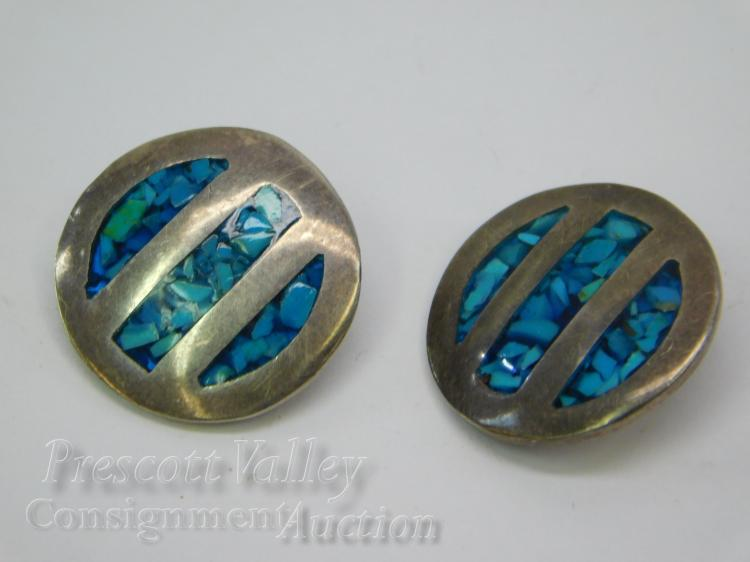 10.2 Gram Mexican Taxco Sterling Silver and Inlaid Chip Turquoise TR-55 Clip On Earrings