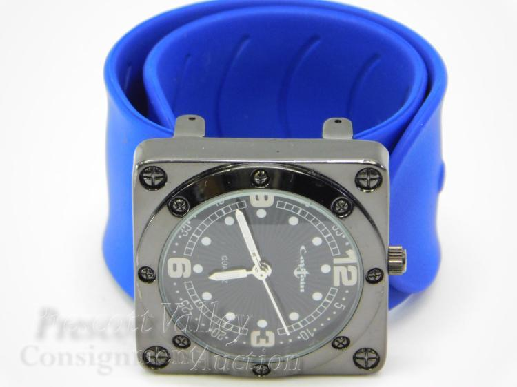 Lot 108: Collezio Captain Square Face Men's Wrist Watch on Silicone Band