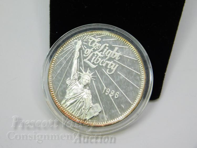 1986 Light of Liberty 100th Anniversary of the Statue One Troy Ounce .999 Fine Silver Bullion Round