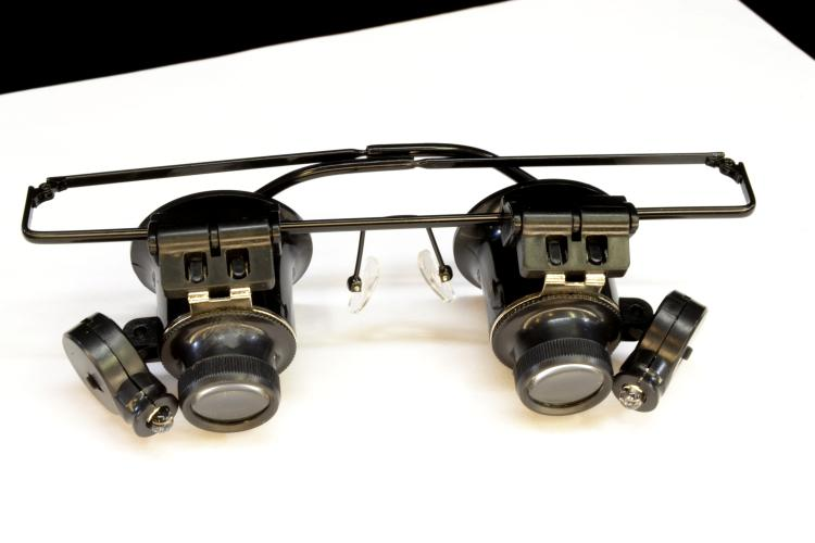 Unused Jeweler's or Hobbyist LED Lighted Magnifying Glasses
