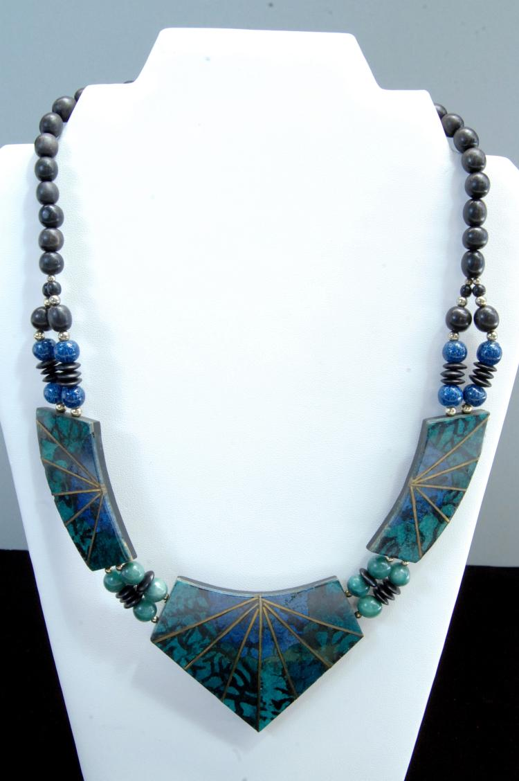 Costume Jewelry Ladies Inlaid Necklace