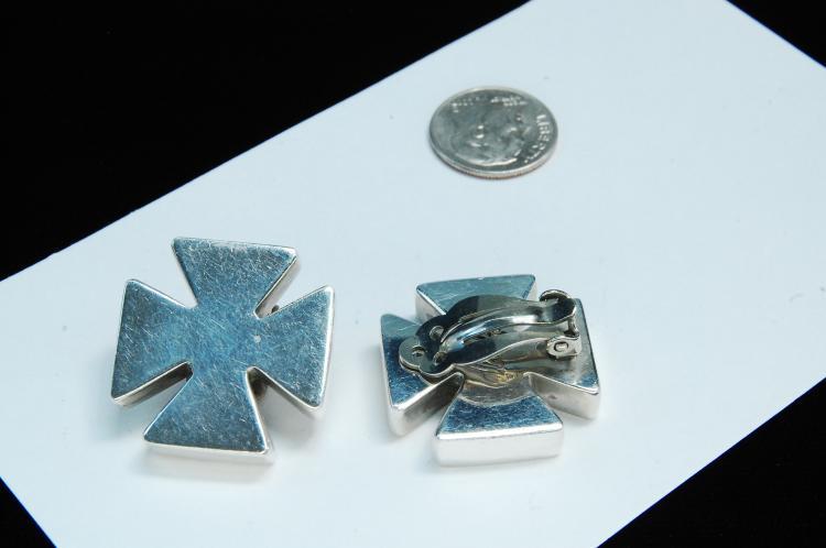 Lot 18: 16g Sterling Kalibre Maltese Cross Earrings