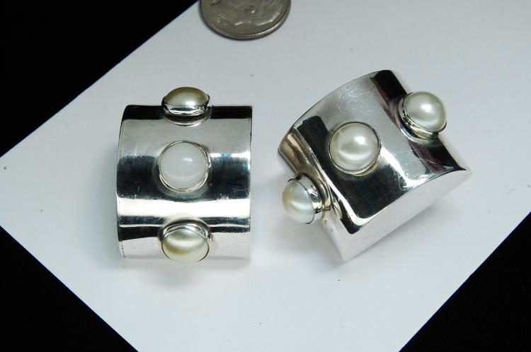 Modern 25g Sterling Pearl Ladies Clip-On Earrings