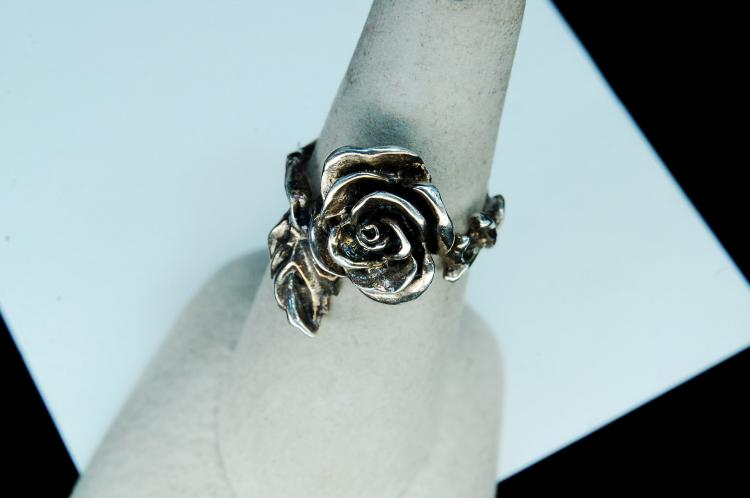 "Vintage 5.5g Sterling Silver ""Rose"" Ring Size 7"