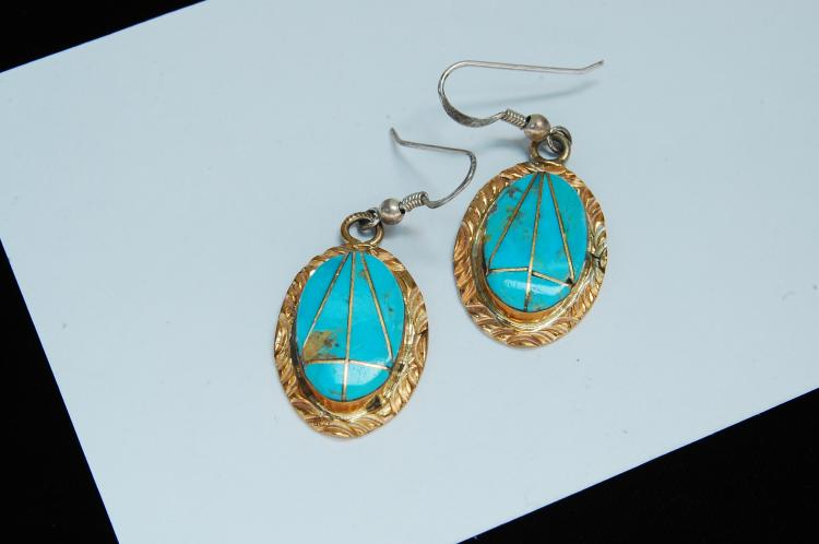 Lot 122: 7.5g Sterling Turquoise Zuni Signed W Earrings