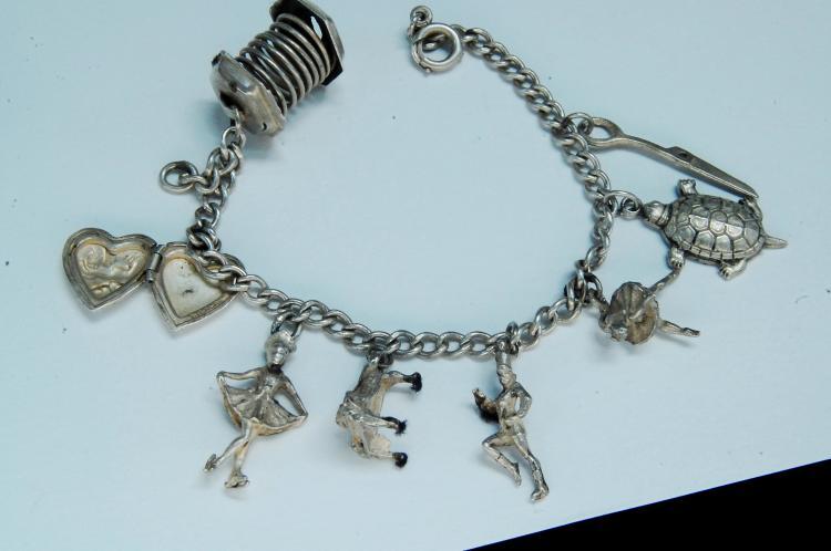 Vintage 18g Sterling Silver Charm Bracelet