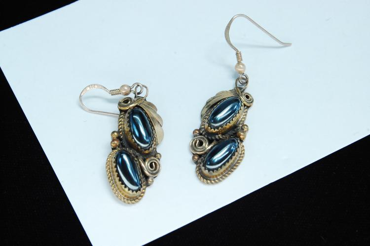 Vintage 10g Sterling Hematite Navajo Earrings