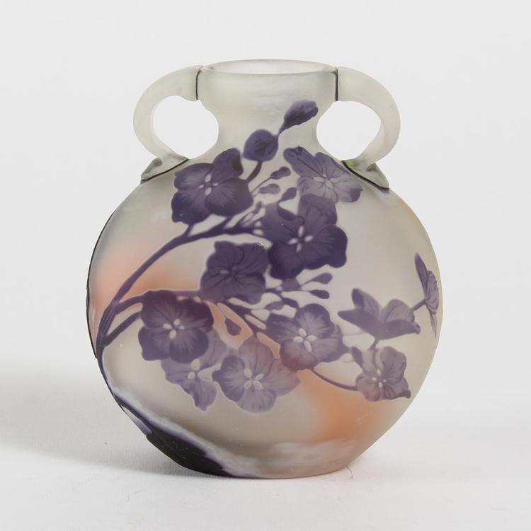 GALLE STYLE CAMEO VASE WITH HYDRANGEA - Circular and dual-handled with cylindrical mouth