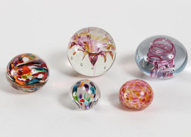 5 PAPERWEIGHTS, ASSORTED DESIGNS - Includes a pink swirl globe paperweight signed