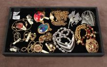 SIGNED VINTAGE JEWELRY: 15 pcs. including jewelry made by Dauplaise, Hanah Nori, Napier, JJ, Citation, 1928, and others. Necklaces,...
