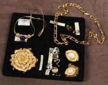 VINTAGE JEWELRY BY MONET - 7 pcs. signed Monet jewelry, comprising a heavy gold tone metal chain (23