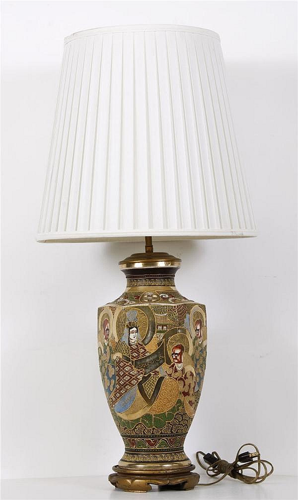 JAPANESE MORIAGE LAMP WITH SHADE - Japanese lamp depicting members of the court in gold and multicolor moriage. Condition good, some...