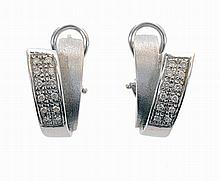 Pair of Portuguese 19.2 kt. gold earrings, with 24 brilliant cut diamonds, total approx. weight 0.30 cts.