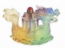 Pequim glass snuff bottle, dragon shape.
