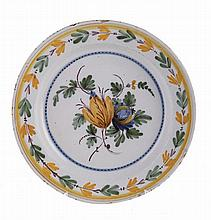 Portuguese faience dish, 18th/19th century.