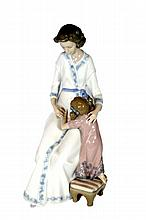 LLADRO WOMAN AND CHILD FIGURINE # 5650