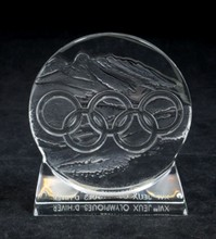 LALIQUE CRYSTAL 1992 OLYMPIC PAPERWEIGHT IN BOX
