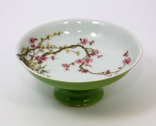ANTIQUE CHINESE FAMILLE ROSE FLORAL STEM BOWL