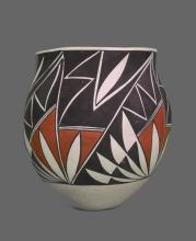 South West Acoma Vase with geometric design, Native American Indian.  Signed Maria Salvadore, as a gift to Chief Joe Dan Osceola and his wife Virginia in 1987.  A very special piece.   Certificate of Authenticity, Chief Osceola of Seminole Tribe.
