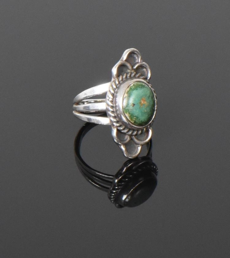 Green Turquoise Sterling Silver Ring. Ring Siz