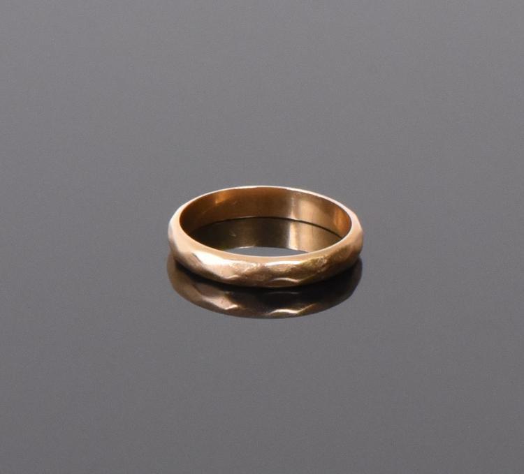 14k Gold Ban Ring.  Weight: 0.121oz Ring Size: