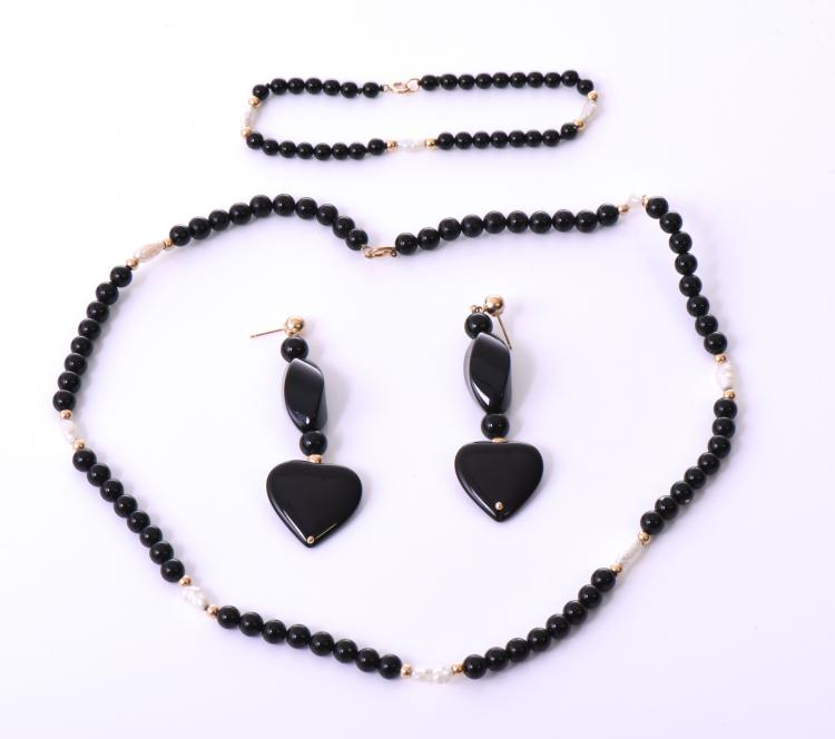Black Onyx And Fresh Water Pearl Gold Necklace