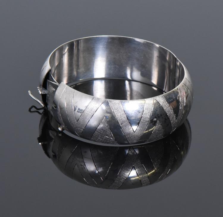 Mid Century Modern Sterling Silver Bracelet.