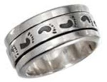 STERLING SILVER MENS WORRY RING WITH FOOTPRINTS SPINNING BAND #17792v3