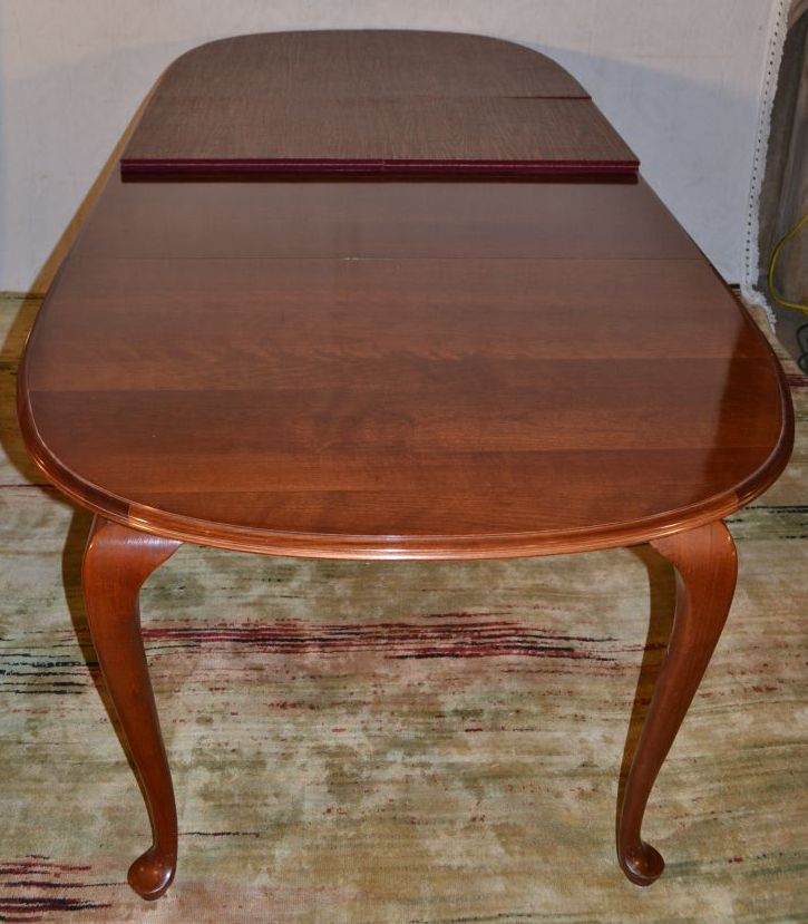 Queen Anne Dining Room Table: Cherry Ethan Allen Queen Anne Style Dining Room Table With T