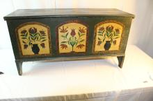 Wonderful pine decorated Pennsylvania small blanket chest
