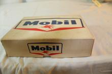 Set of 12 mobile gas golf balls in original box