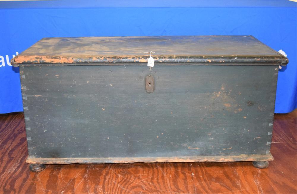 New England Blanket Box