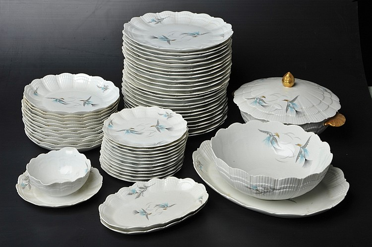 un service de table en porcelaine limoges marli coquillage. Black Bedroom Furniture Sets. Home Design Ideas
