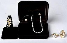 Gold And Pearl Estate Lot Of Jewelry