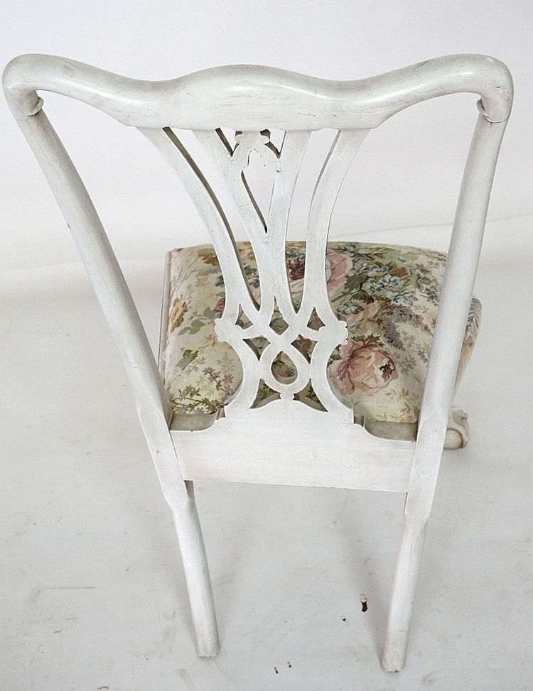 Phenomenal Set Of 4 White Painted Chippendale Chairs Theyellowbook Wood Chair Design Ideas Theyellowbookinfo