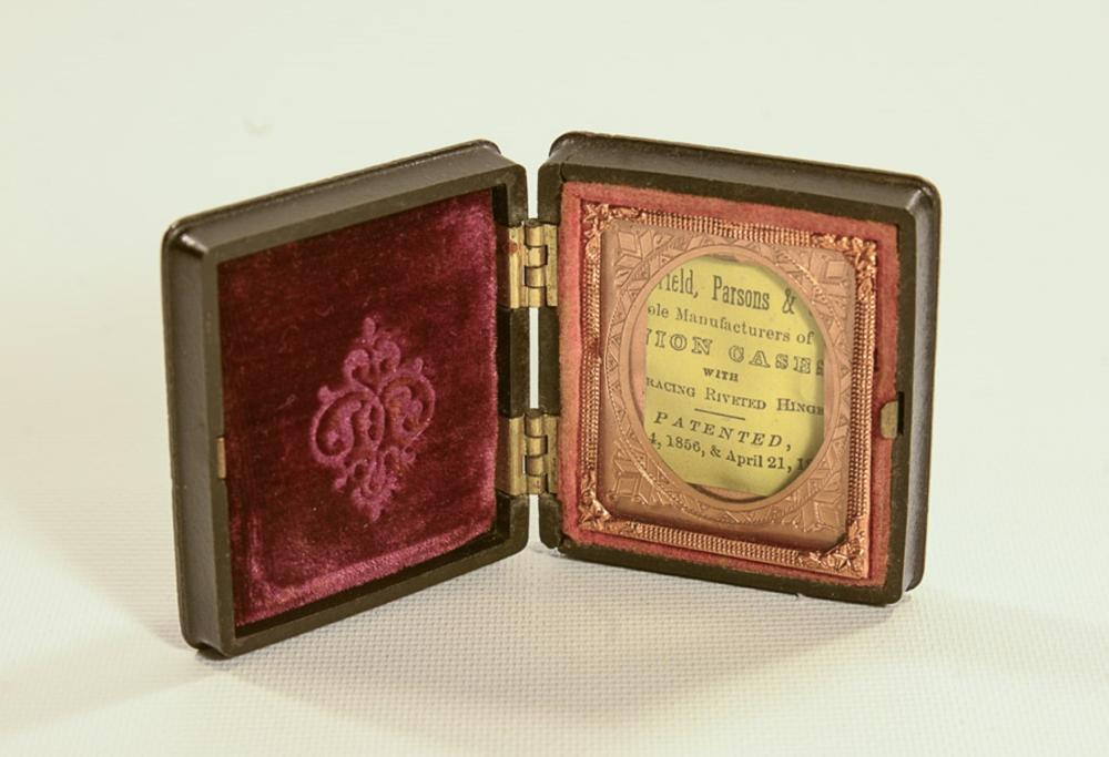 Sixteenth plate daguerreotype case, Littlefield, Parsons