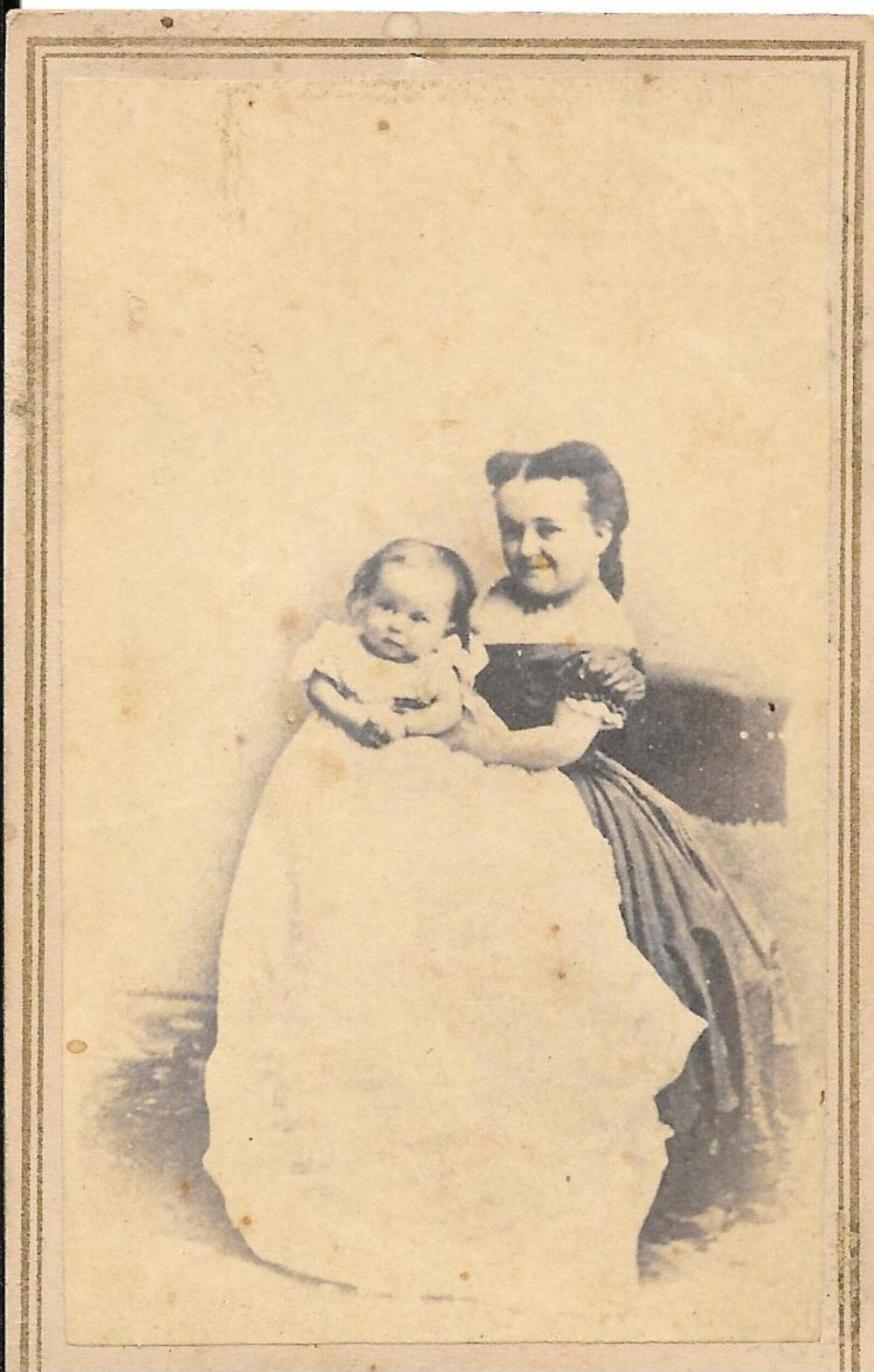 CDV of General Tom Thumb and family