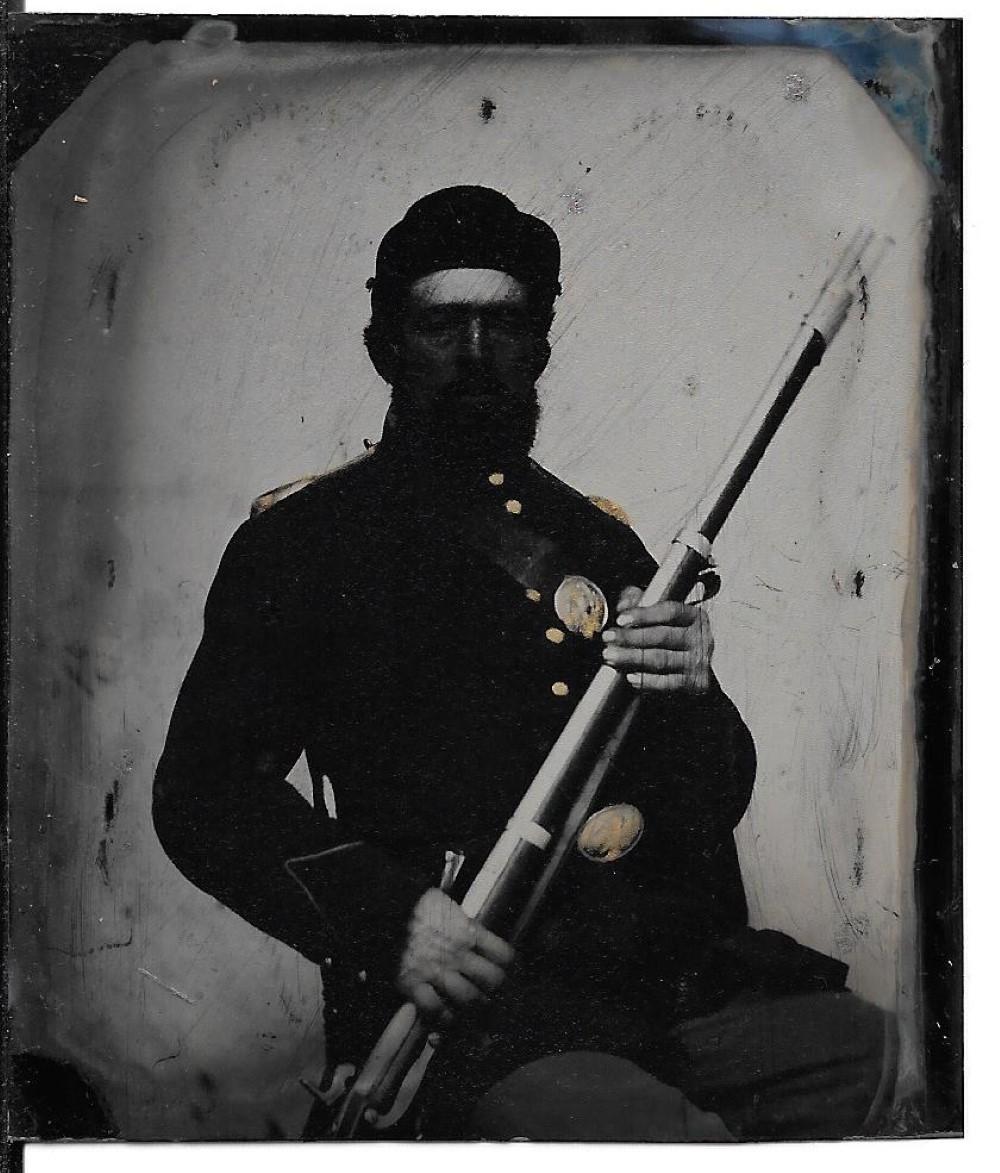 Armed Civil War soldier