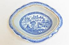 18-19th Century blue & white Quatrefoil bowl