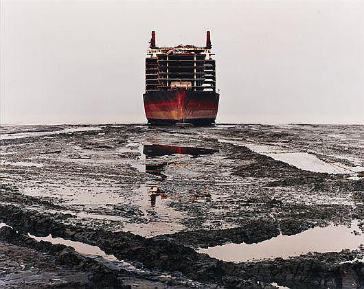 Shipbreaking #28, Chittagong, Bangladesh, 2001