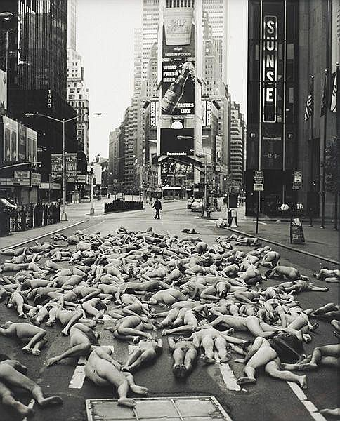 Contemporary Art:  SPENCER TUNICK New York, 1997