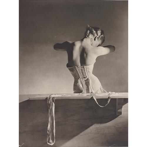 HORST P. HORST - Mainbocher Corset, Paris, 1939