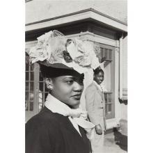 HENRI CARTIER-BRESSON - Easter Sunday in Harlem, 1947
