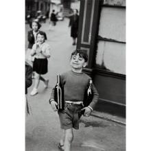 HENRI CARTIER-BRESSON - Rue Mouffetard, Paris, 1954