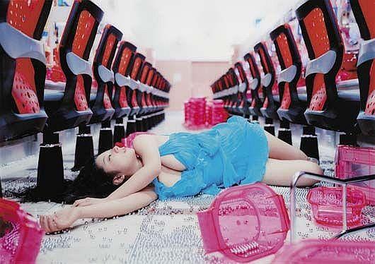 Koike Eiko wears Gianni Versace #423, 2004