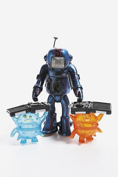 Kirkland Jue (Toybot Studio) & Doze Green